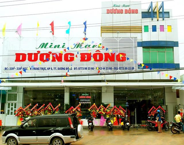 cua-hang-ruou-vang-minimart-duong-dong