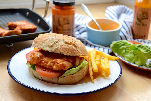 Cheeky Peri Peri Chicken Burgers #recipe #diy #burger #periperi #chicken #weeknight | www.rachelphipps.com @rachelphipps