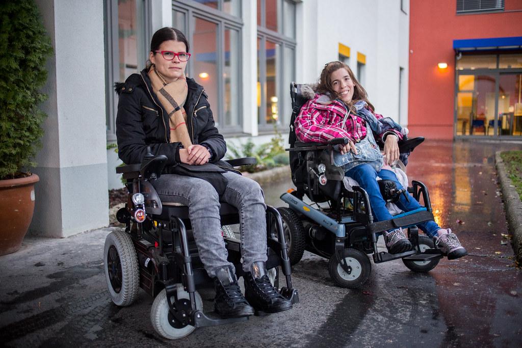 Szilvi és Hajni | Fotó: Erdős Dénes / Képszerkesztőség