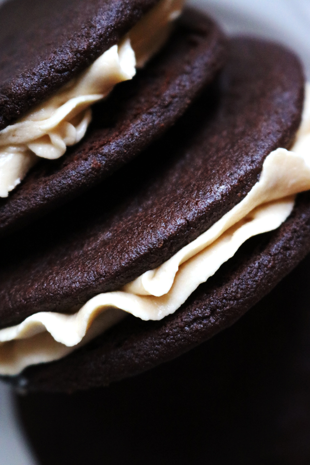 Homemade Salted Caramel Oreos