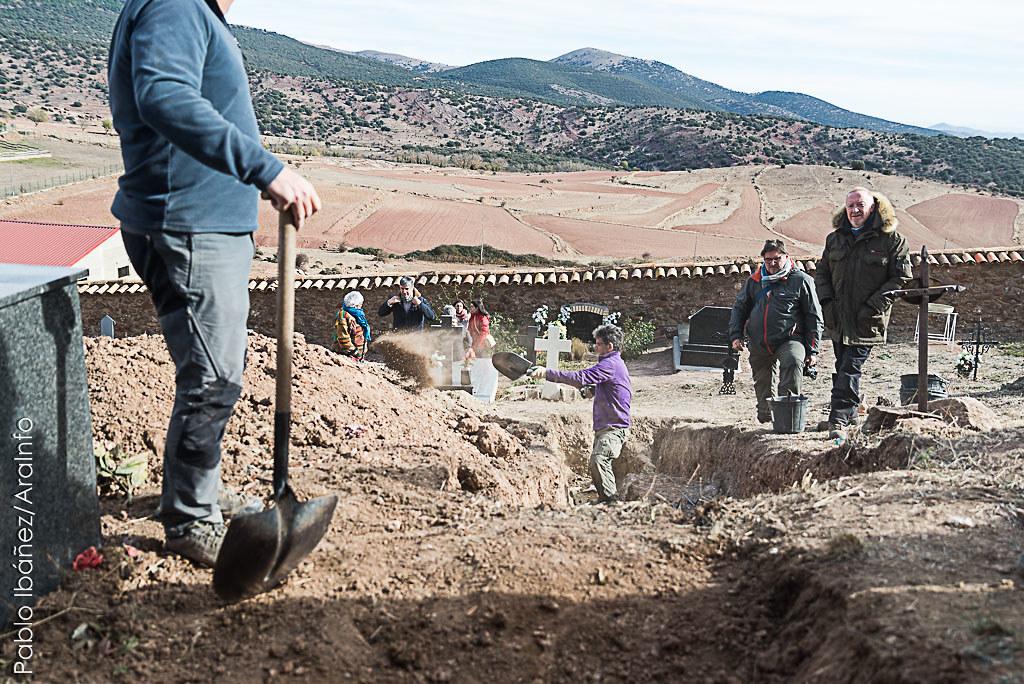 Exhumación Pomer_marca de agua_foto- Pablo Ibáñez