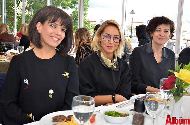 Nil Eczanesi sahibi Gülay Özbilgün, Öznur Eczanesi sahibi Öznur İşman, Emel Tuğlu
