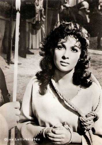 Gina Lollobrigida in Notre-Dame de Paris (1956)