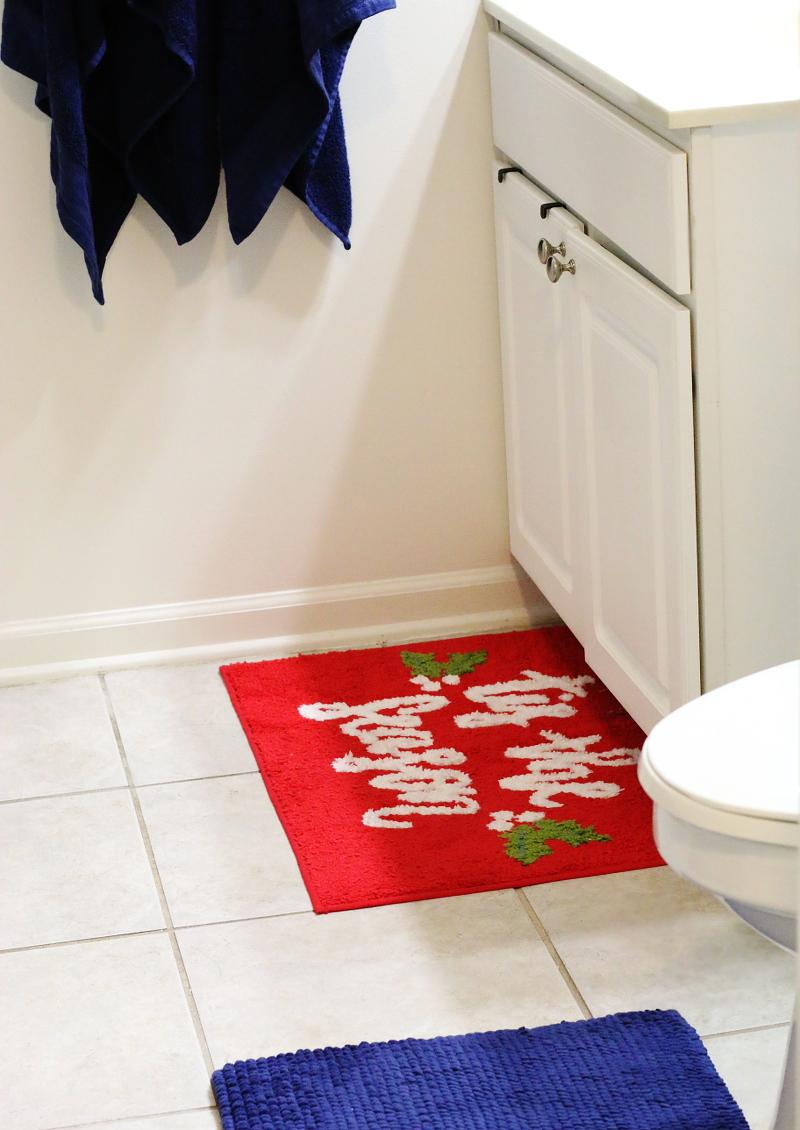 bathroom-mats-holiday-decor-11
