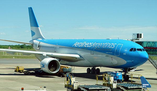 Aerolíneas Argentinas A330-200 EZE (RD)