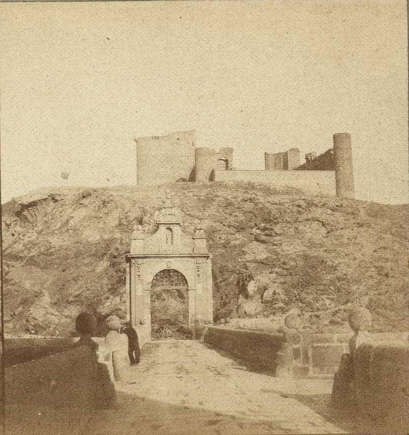 Puente de Alcántara y Castillo de San Servando en 1858 fotografiado por Louis Léon Masson, Biblioteca Nacional