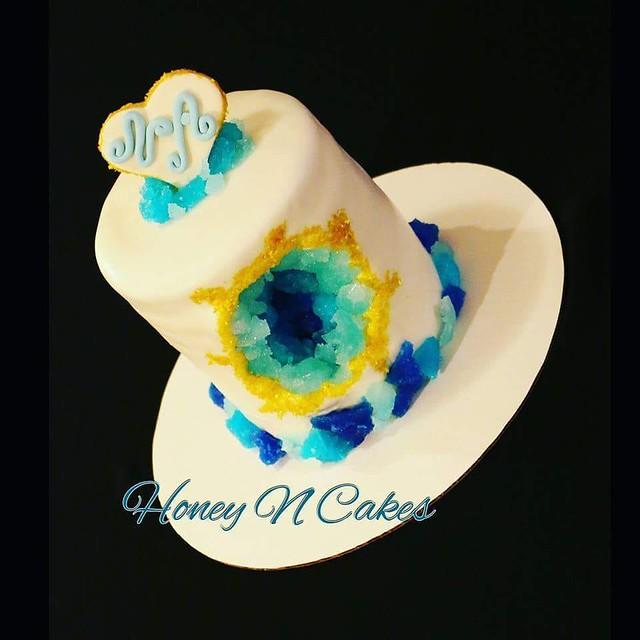 Geode Cake by Shahad Al-meshhedani of Honey N Cakes