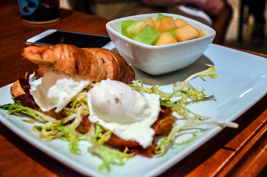 Breakfast sandwich BoG