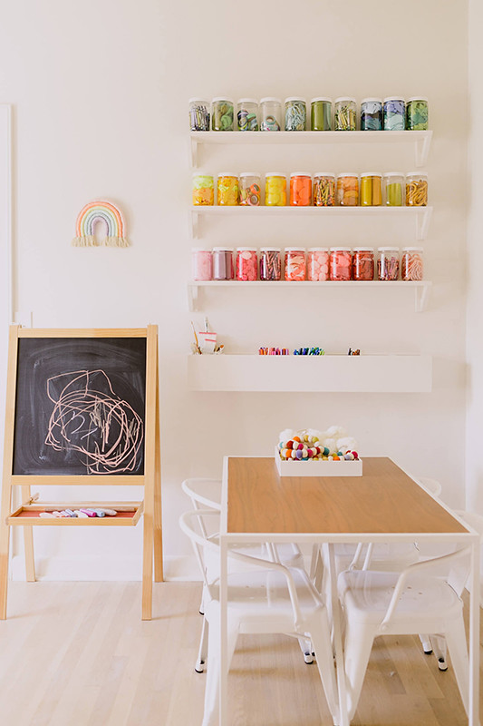 04-Playroom-table-DIY