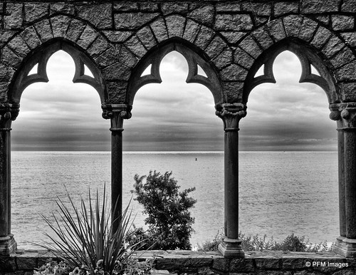 hammondcastle atlanticocean ocean castle sea view viewpoint stone columns gloucester massachusetts bw blackandwhite monochrome canon eos 7d slr outdoor architecture water