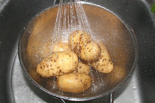 16 - Kartoffeln abtropfen lassen / Drain potatoes