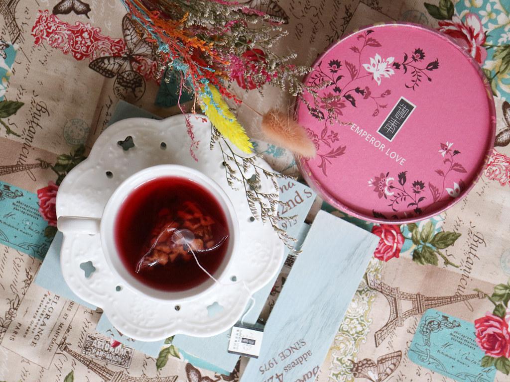 【喝茶推薦】御奉 複方仕女椪粉盒 寶石蔓越莓果茶