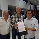 Paulinho da Força visita hospital em Piraju e entrega certificados