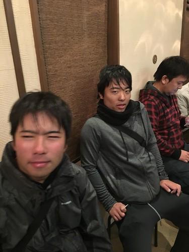 敦賀から輪行しなかった内田・川幡は寒さで死にかけ。