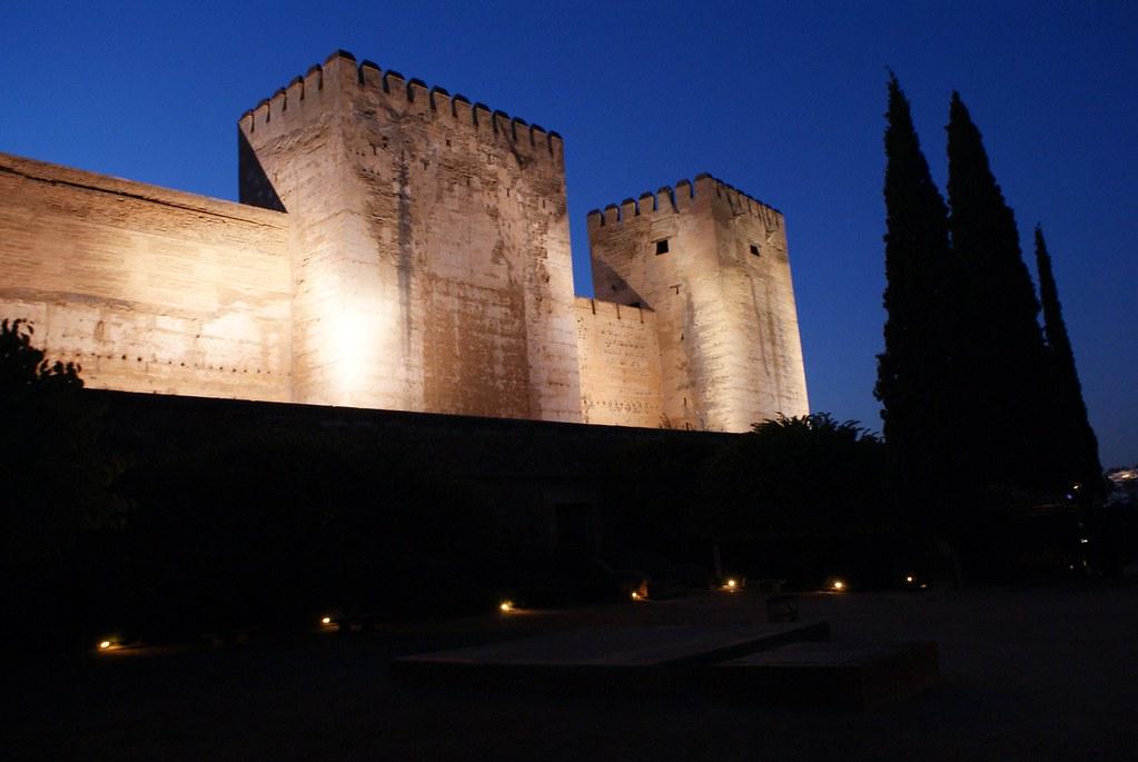 Fortifications de l'Alhambra à Grenade.