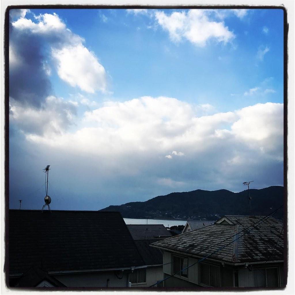 08Dec2017 Morning sky きょうは 曇のち晴で 最高気温は 9 ℃らしい。 #sky #nagasaki