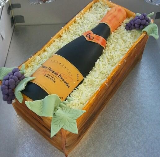 Cake by Lines Kakeri