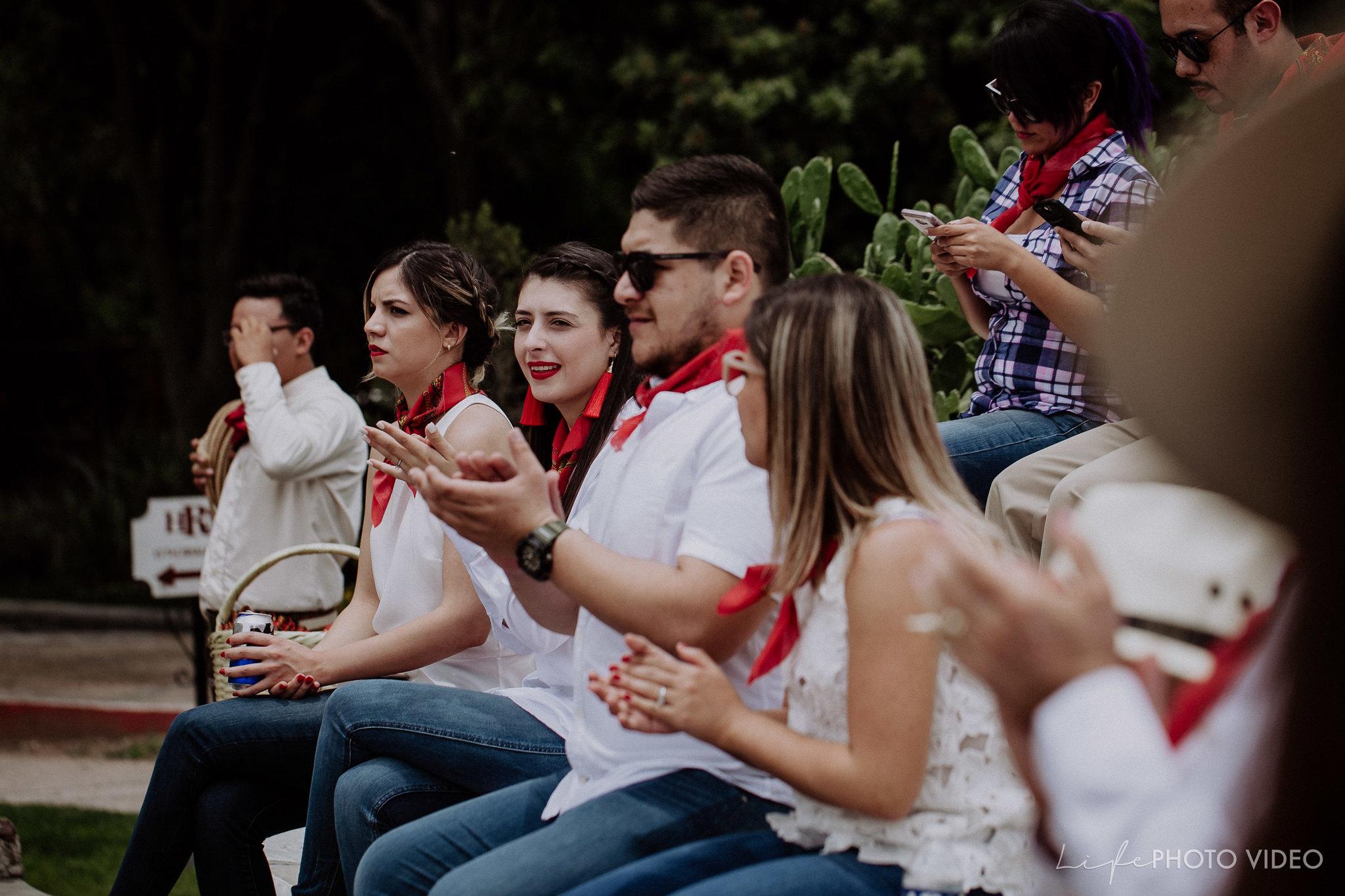 SanMigueldeAllende_Wedding_Callejoneada_Vaquillada_0016