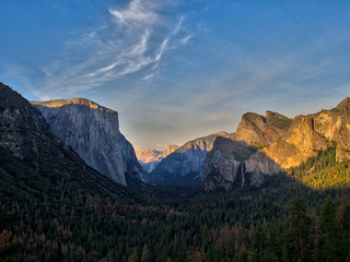 The Yosemite Valley from Tunnel View, California, USA
