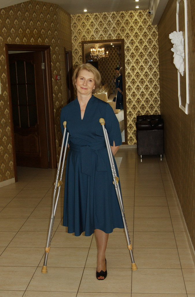 Female Amputees On Crutches Hot Girls Wallpaper-3250