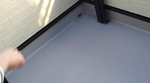 外壁と屋根とベランダを塗る