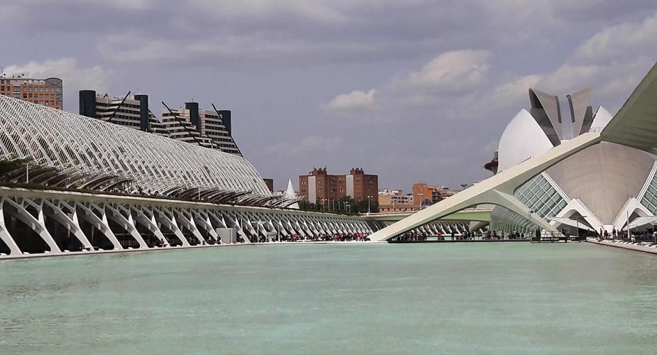 Bijzondere bezienswaardigheden in Valencia: ciudad de las artes y las ciencias | Mooistestedentrips.nl