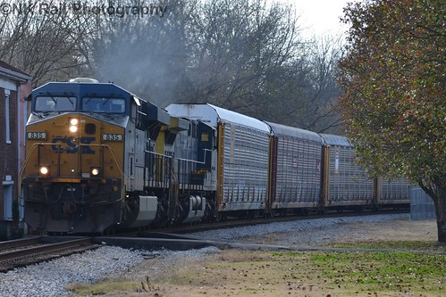 CSXT L237 heads past the Stevenson Depot with CSX 835 in the lead on a warm fall November day.