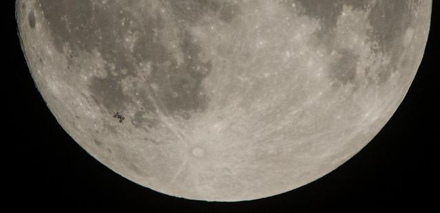 ISS Lunar Transit (NHQ201712020002)