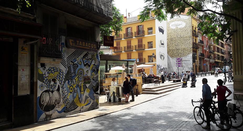 Placa del Tossal, Valencia: Barrio del Carmen | Mooistestedentrips.nl