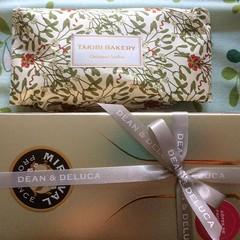 thanks santa❤︎ ・ ・ ・ #シュトーレン #ロゼ #takibibakery #stollen #miraval #rosé #deananddeluca #osaka #japan #大阪 #latergram