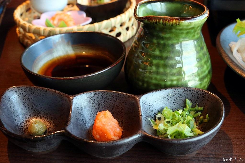 38352026092 87bb3850e7 b - 熱血採訪|藍屋日本料理和風御膳,暖呼呼單人火鍋套餐,銷魂和牛安格斯牛肉鑄鐵燒