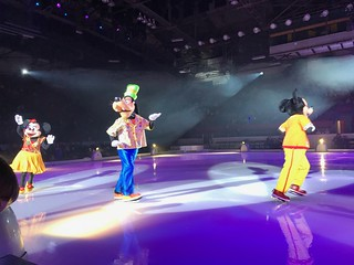 Minnie, Goofy, Mickey - Disney On Ice: Follow Your Heart