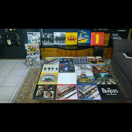 Orgoglioso della mia collezione #vinyl #vinylcollection #vinylgram #lp #33rpm #deagostinivinyl #beatles #beatlemania #thebeatles #fab4 #beatlesfan #beatleslove #vinile #collezionevinili #vinylcollector