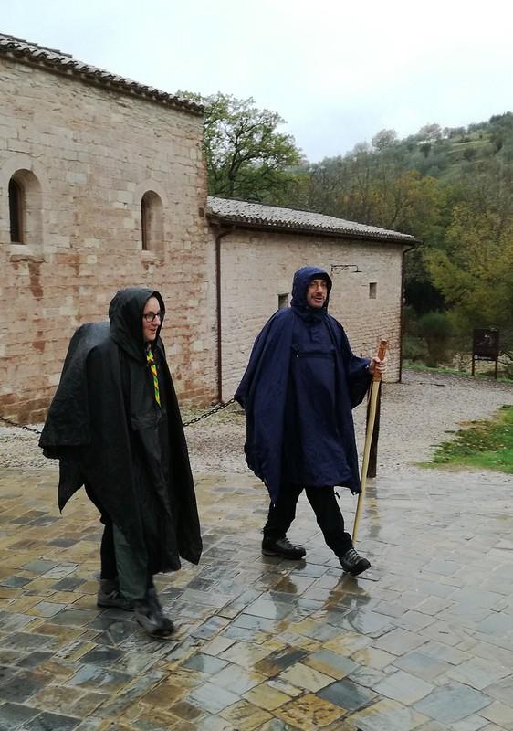 Gubbio: il vescovo Luciano in cammino da Assisi