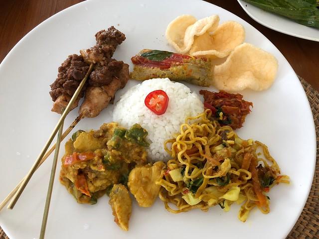 月, 2017-11-13 03:40 - Ketut's Bali Cooking Class