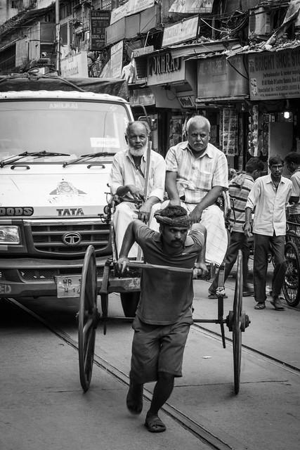 Kolkata,49% viven en los andenes de las calles