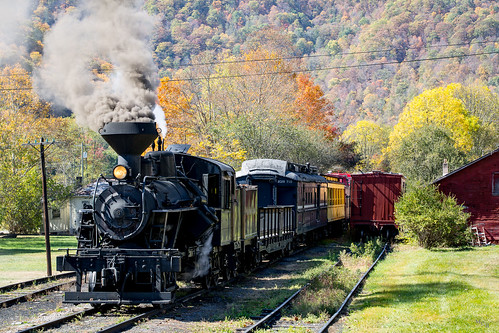 photosbymch landscape steamlocomotive train climaxgearedlocomotive fallcolors autumn durbin westvirginia usa 2017 canon 5dmkiii tracks transportation excursiontrain outdoors