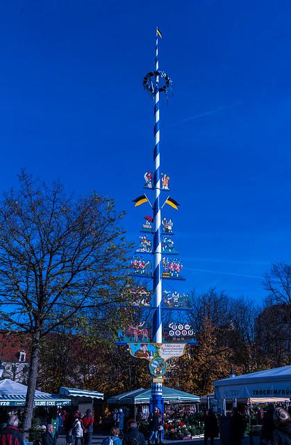 Maypole in the blue, Nikon D700, Sigma 24-70mm F2.8 IF EX DG HSM