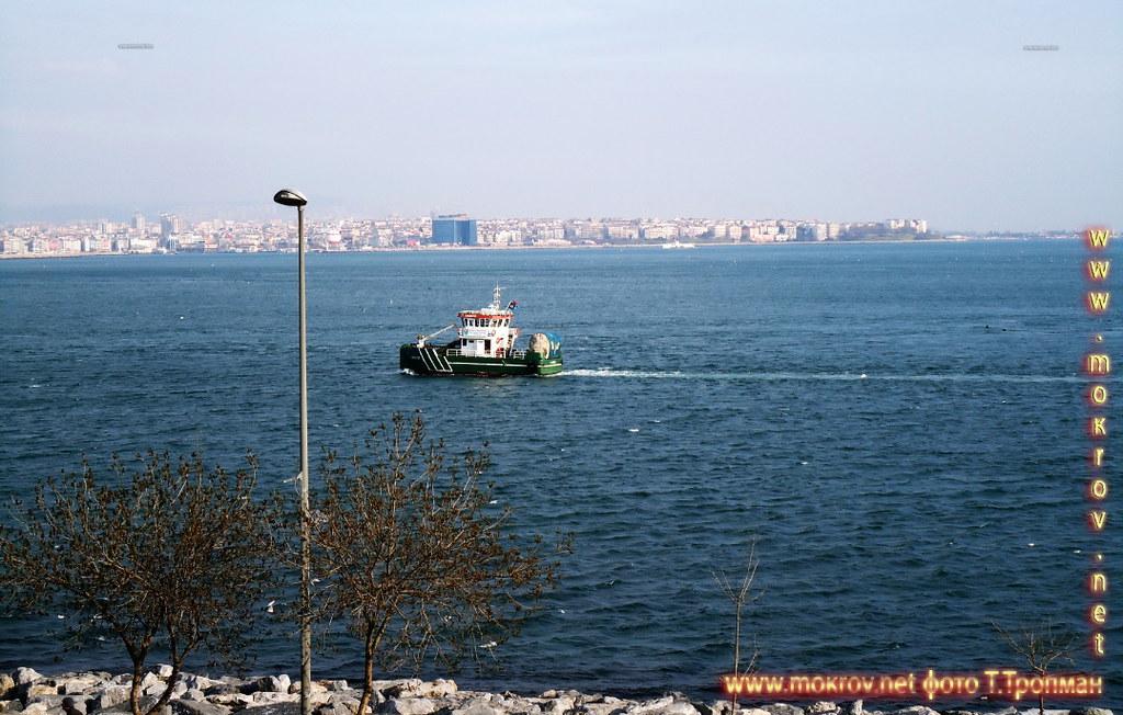 Город Стамбул — Турция  прогулки туристов с Фотоаппаратом