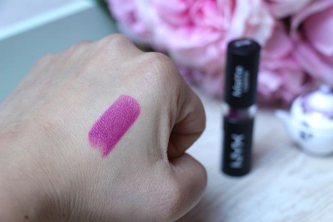 2_rouges_levres_violet_pour_cet_hiver_beaute_blog_mode_la_rochelle_6