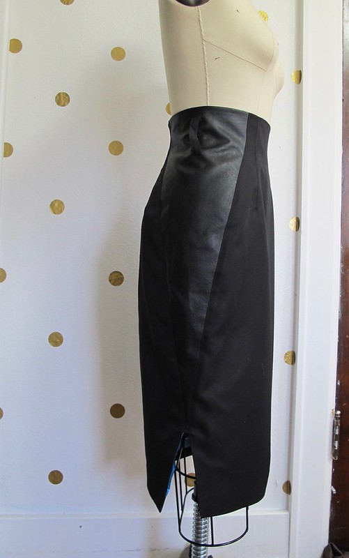 Pulmu Skirt with Needle Sharp