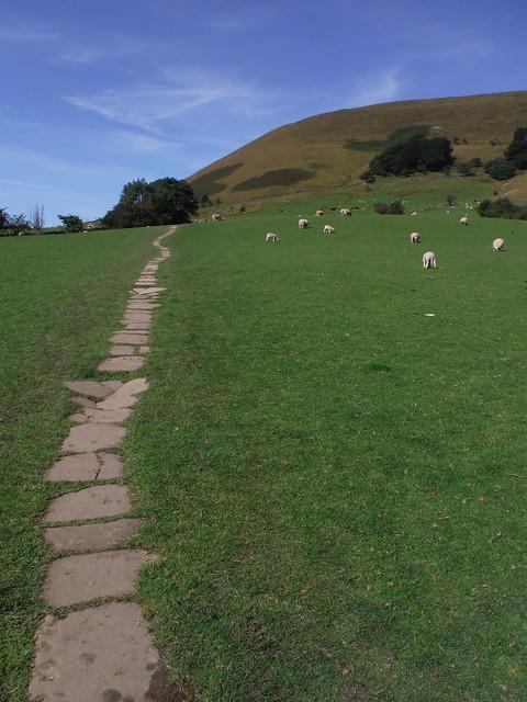 Along the Pennine Way towards Broadlee-Bank Tor