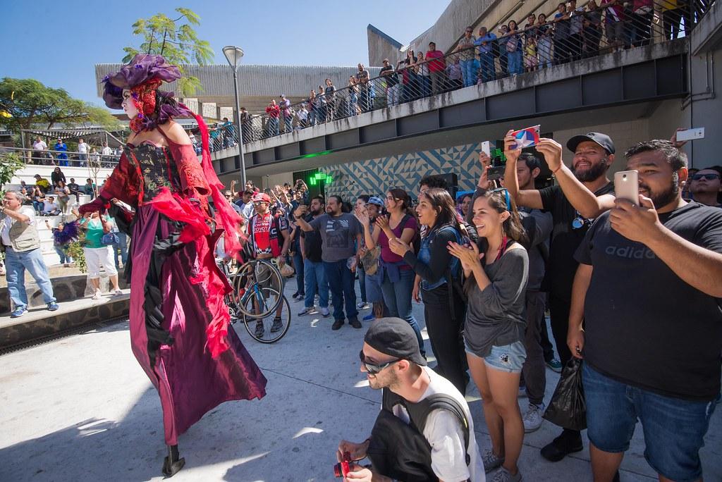 Circo maravilloso y surrealista en San Juan de Dios