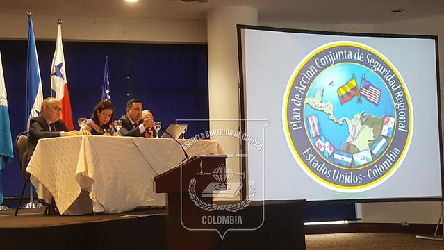 Destacada participación de la ESDEGUE en Seminario Estratégico EEUU-Colombia-Centroamérica en Medellín.