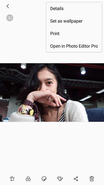 Membuka foto dengan aplikasi Photo Editor Pro bawaan di Samsung Galaxy J7+ (Liputan6.com/ Agustin Setyo W)