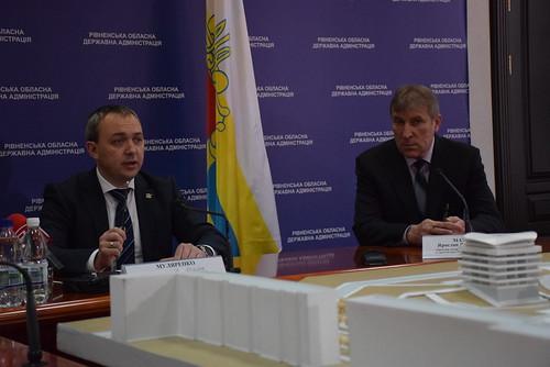Хто більше наобіцяє: Хомко чи Муляренко?