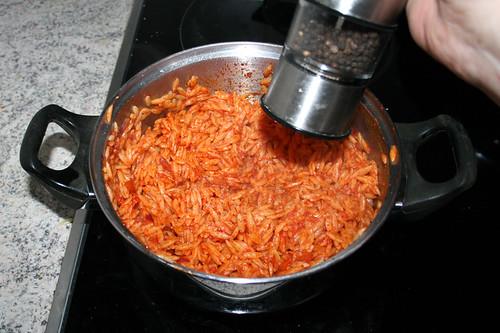 96 - Kritharaki mit Salz & Pfeffer abschmecken / Taste kritharaki with salt & pepper
