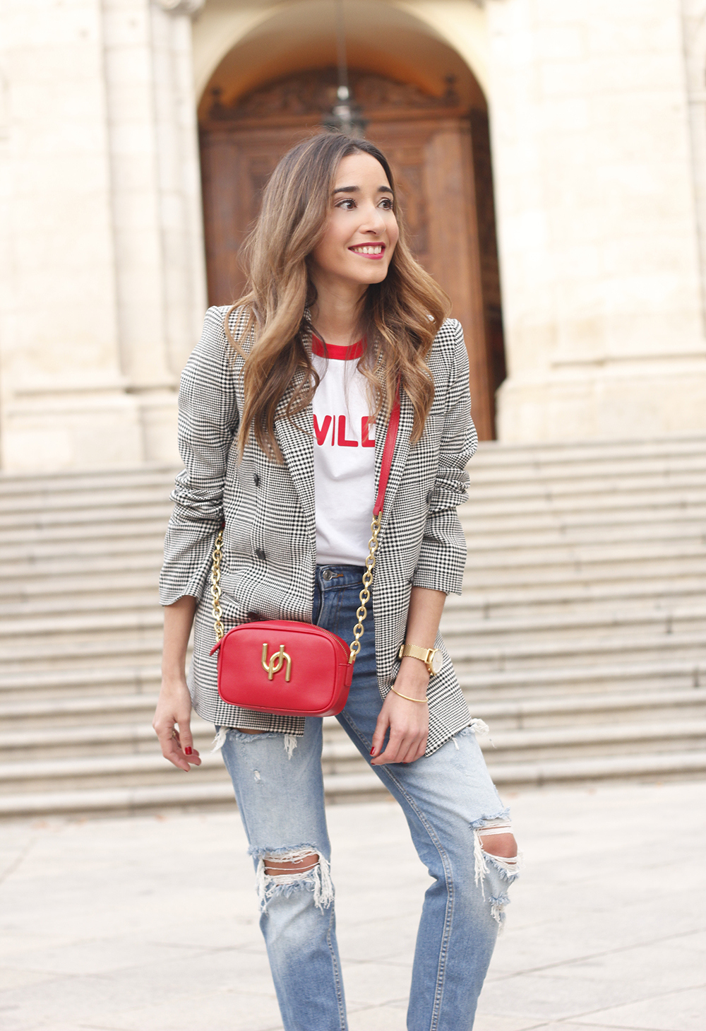 Prince of wales print blazer ripped jeans red heels uterqüe style trend fall outfit07