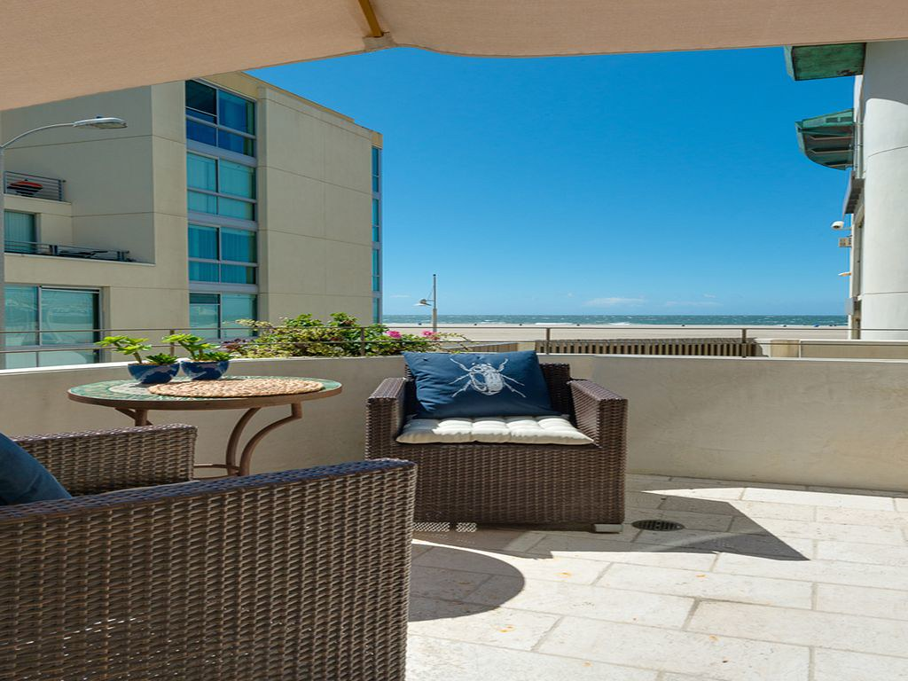 1725 Ocean Ave,Santa Monica,California 90401,3 Bedrooms Bedrooms,3 BathroomsBathrooms,Apartment,Ocean Ave,6420