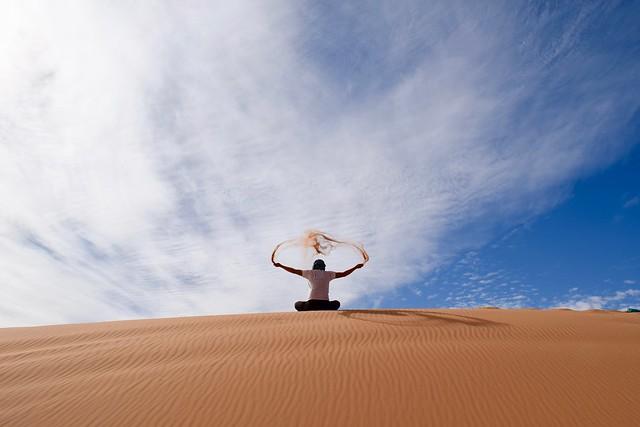 右手の砂魔法と左手の砂魔法を頭上で合成して…砂を浴びるのだ